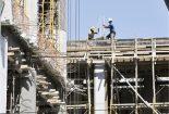 احتیاط! کارگران ساختمانی بدون بیمه مشغول کارند